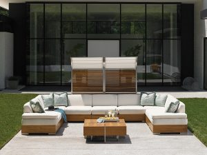 Tres Chic Sectional Seating