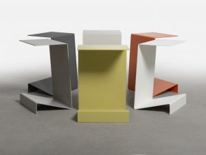 Zigzag tables